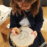 enfant fille 5 ans punch needle creparti loisir créatif motricité fine cadeau écolo montessori